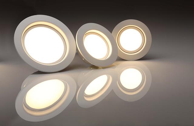 LED žarnice E27